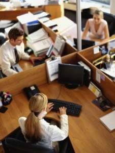 munca la birou thumb 250 0 18 226x300 Cand eram mica, ma jucam de a biroul...